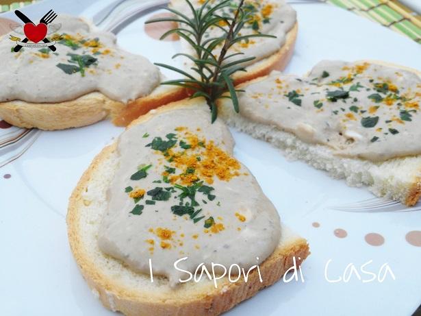 Bruschette con mousse di tonno al curry