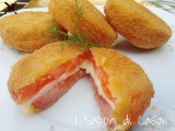Sandwich di pomodori in carrozza