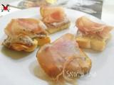 Crostini di pane con patè di olive nere e noci