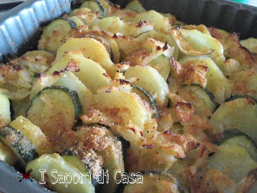 Teglia di patate e zucchine gratinate
