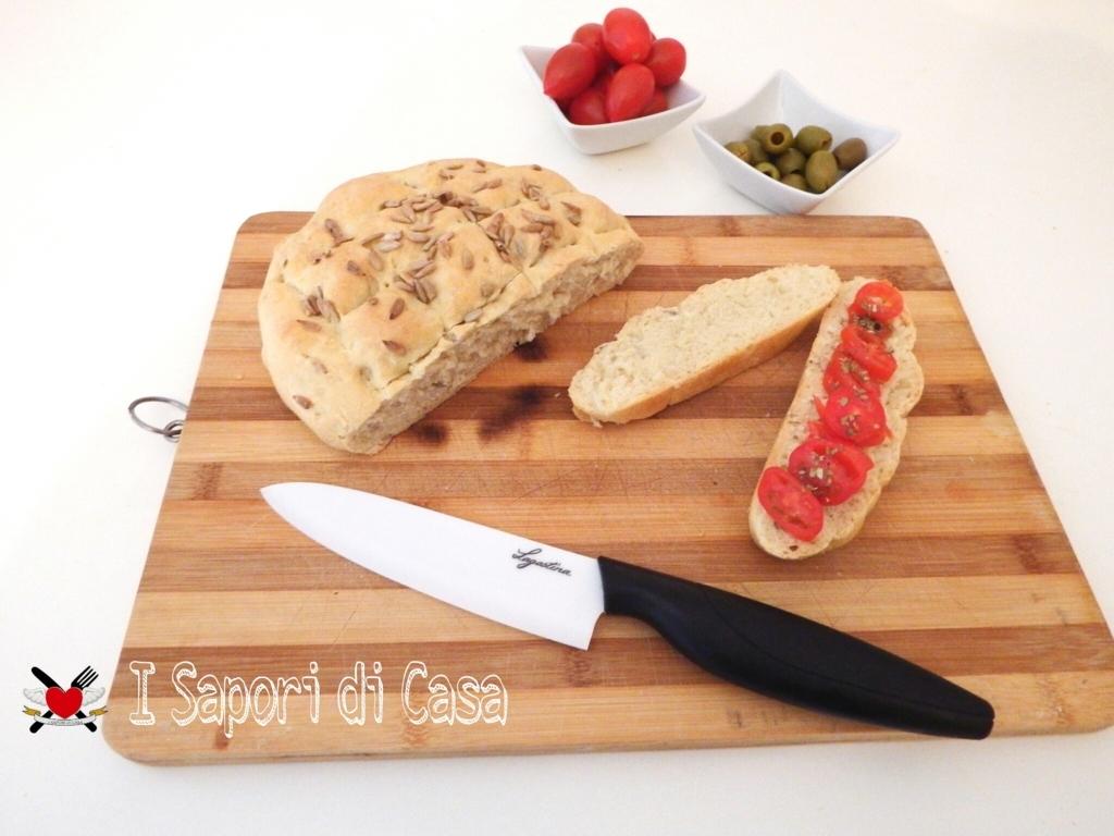 Pane fatto in casa con semi di girasole