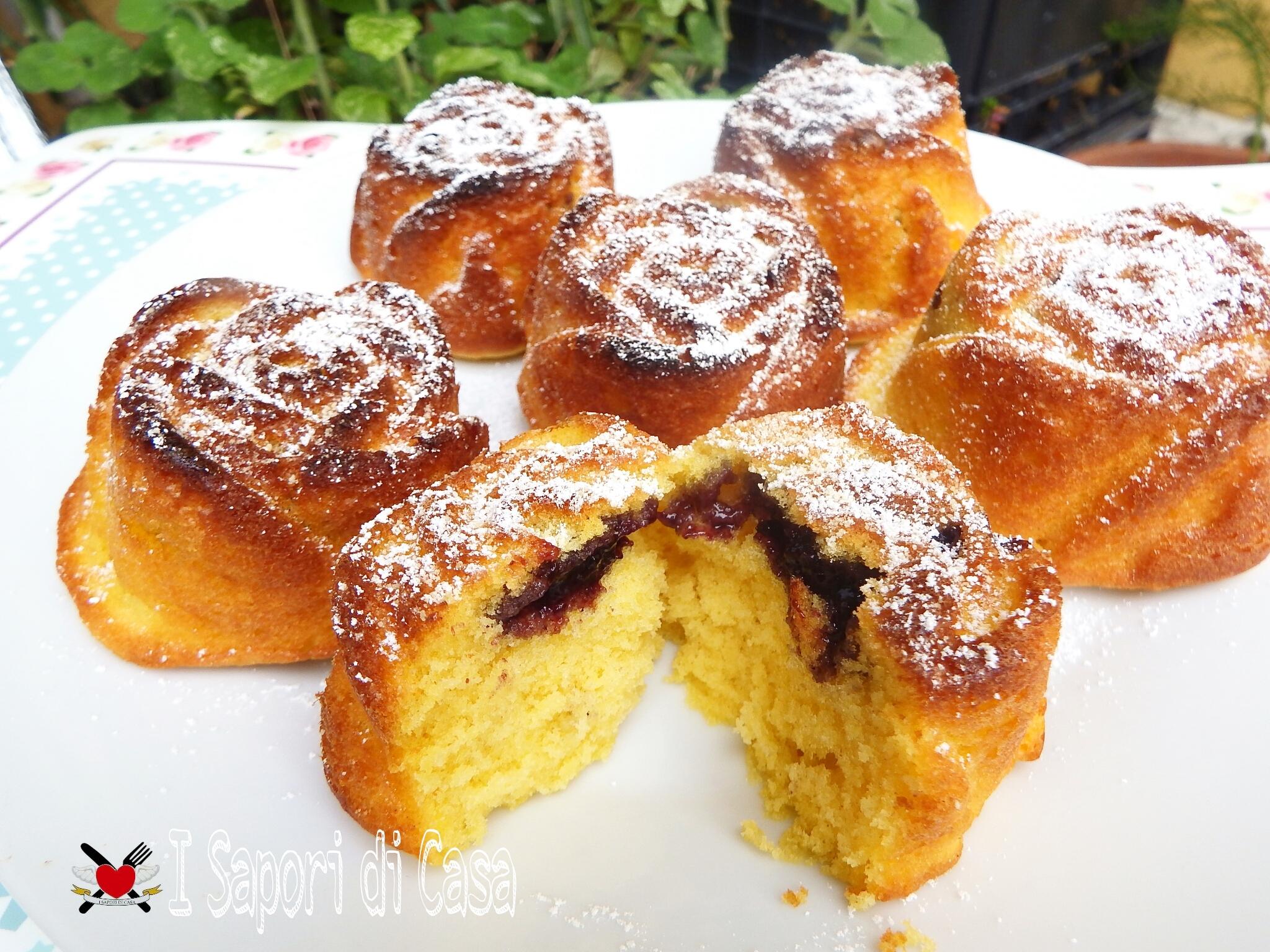 Muffin ripieni con marmellata di mirtilli