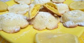 Biscotti con crema al limone