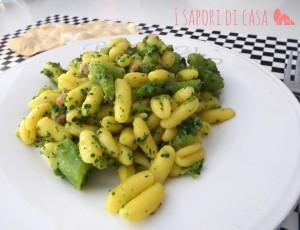Cavatelli con broccoli e speck