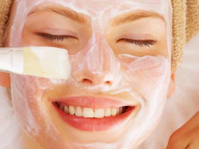 Maschera nutriente per pelle secca fai da te