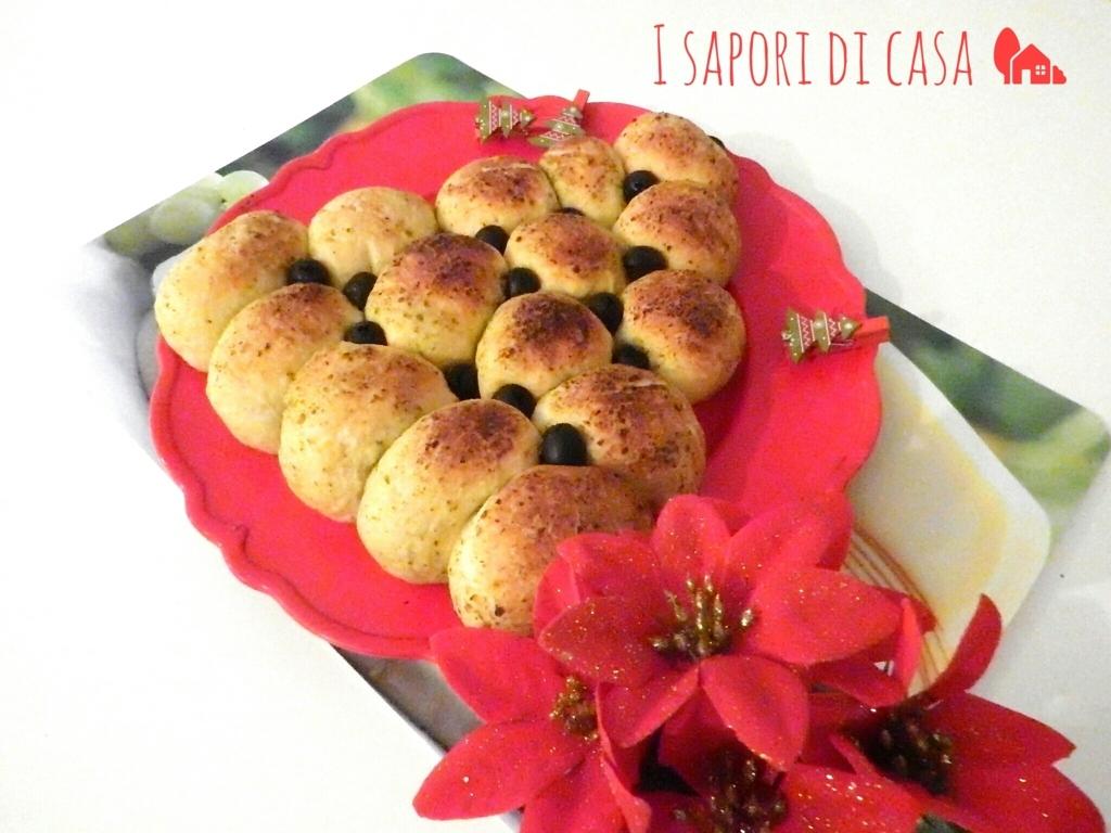 Albero di panzerotti - centrotavola natalizio da mangiare