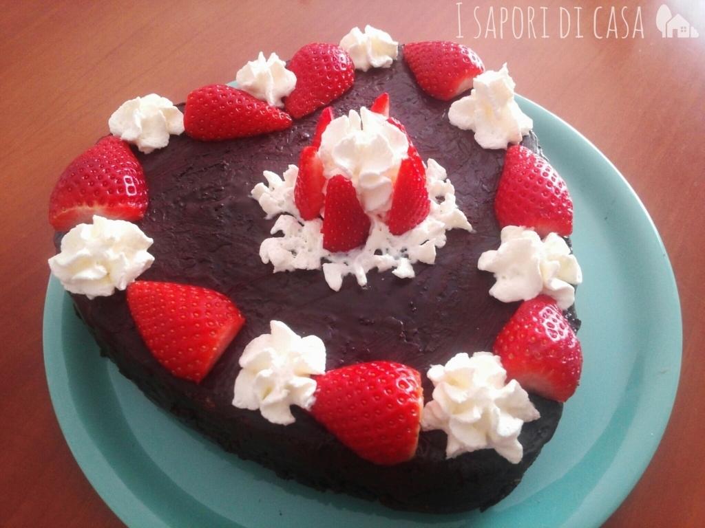Torta cuore cioccolato e crema