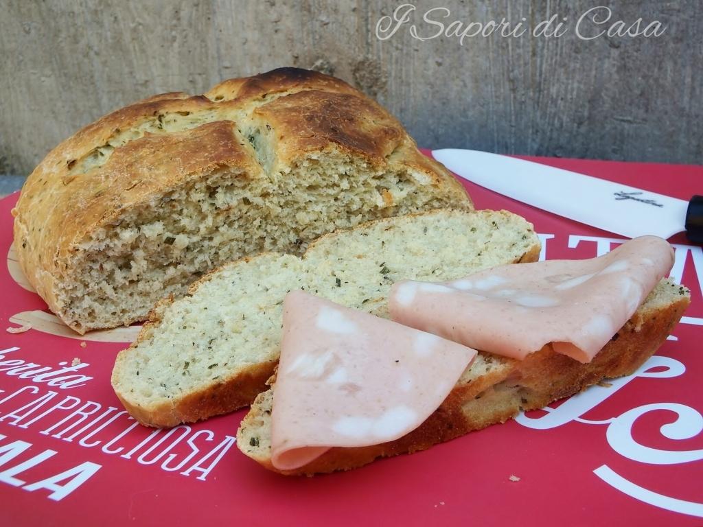 Pane di farro bianco alle erbe provenzali