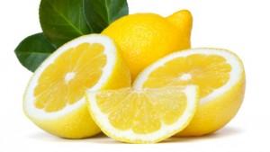 Sgonfia l'addome e dimagrisci con il succo di limone