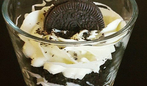 Oreo cheesecake in bicchiere