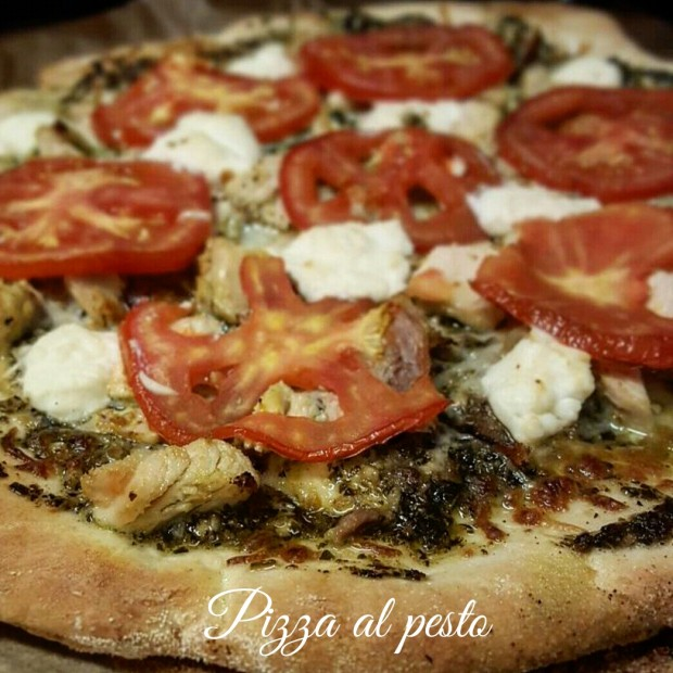 Pizza bianca al pesto