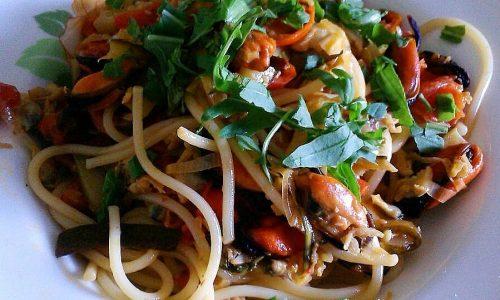 Spaghetti ai frutti di mare e rucola