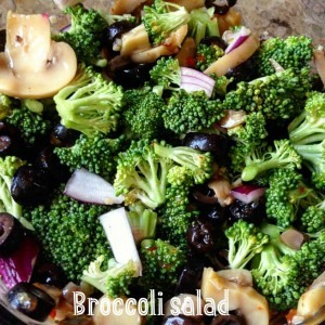 Insalata raw di broccoli e funghi