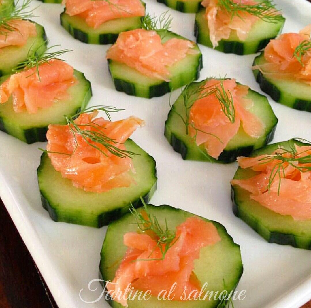 Tartine al salmone - ricetta light e veloce