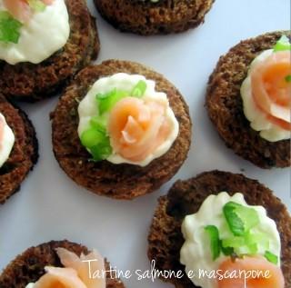 Tartine mascarpone e salmone