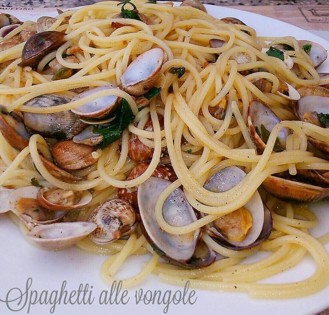 Spaghetti alle vongole veraci in bianco