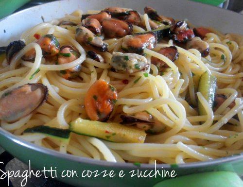 Spaghetti con cozze e zucchine – ricetta estiva