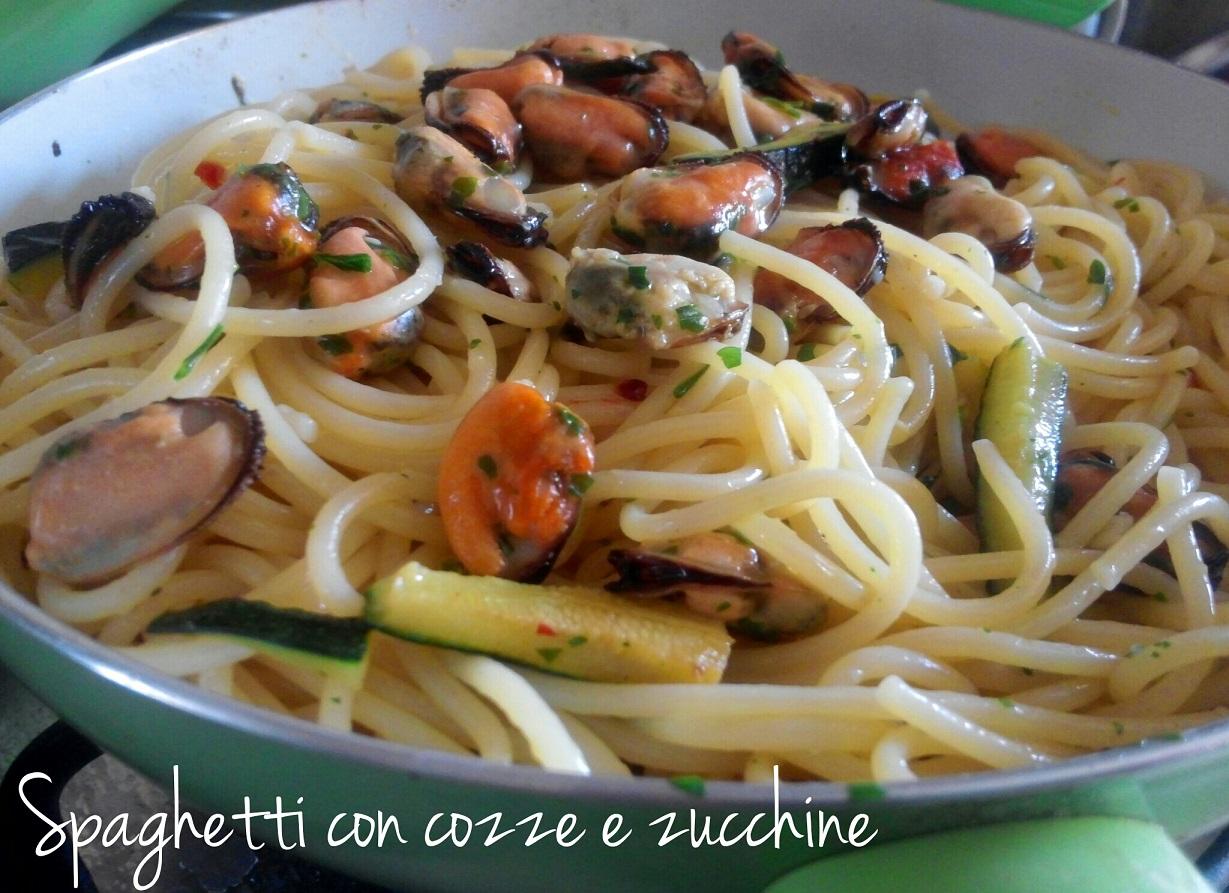 Spaghetti con cozze e zucchine - ricetta estiva
