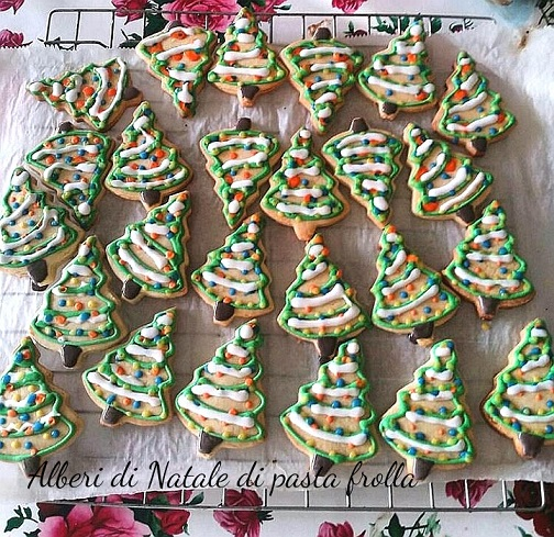 Alberi di Natale di pasta frolla