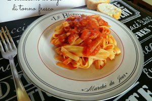 Pasta al sugo di tonno fresco – ricetta primo piatto