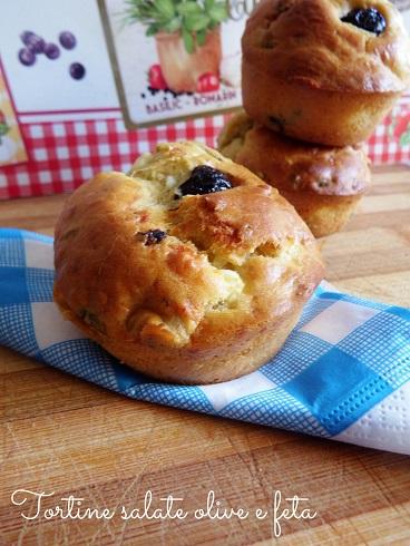 Tortine con olive e feta - ricetta greca