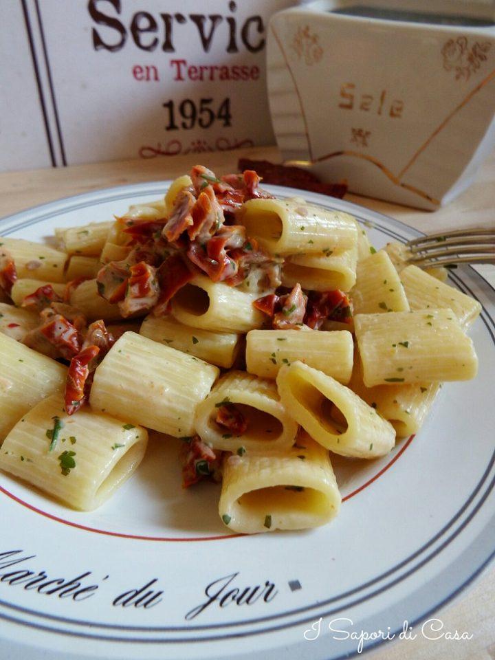 Pasta cremosa con pomodori secchi