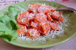 Carote in padella al parmigiano e paprika