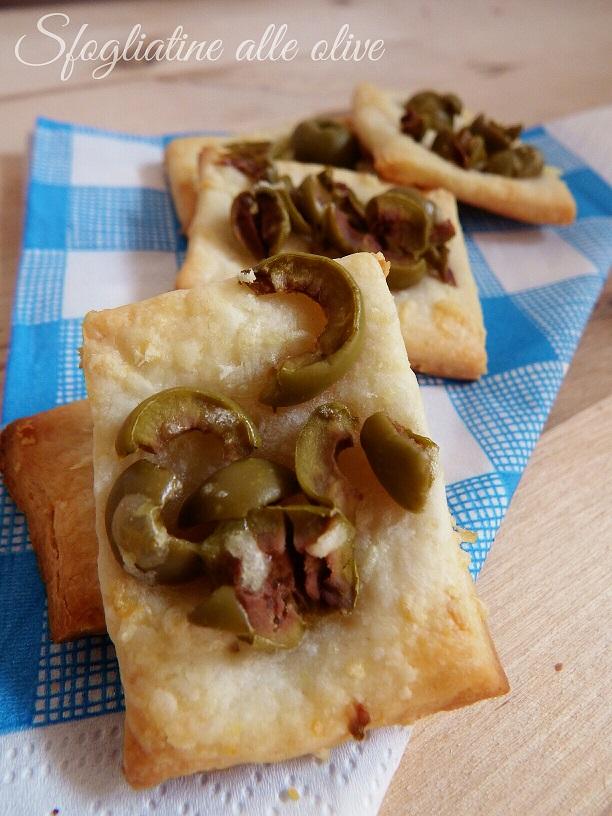 Sfogliatine alle olive - ricetta per aperitivo