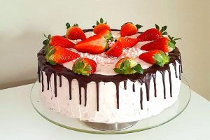 Drip cake alle fragole