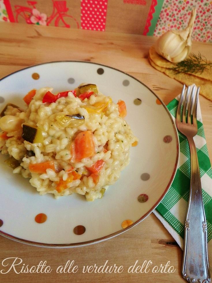 Bentrovati amici! Oggi voglio presentarvi un primo piatto davvero buono: il risotto alle verdure dell'orto