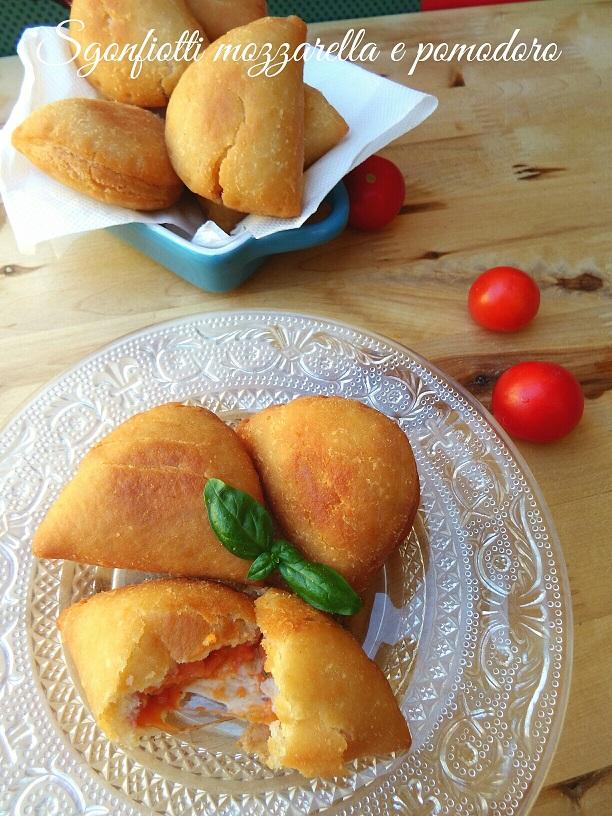 Sgonfiotti mozzarella e pomodoro