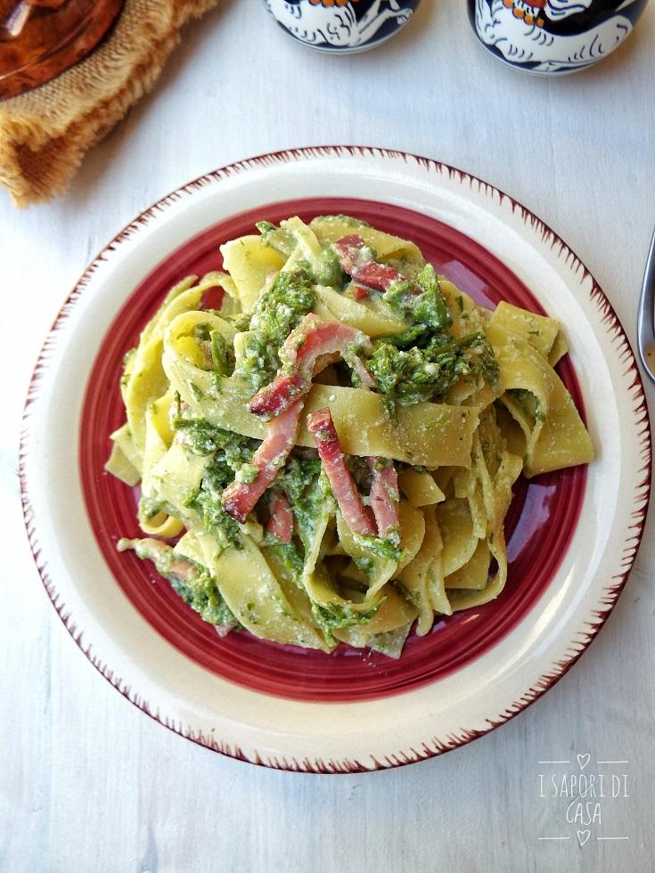 Fettuccine con asparagi ricotta e prosciutto