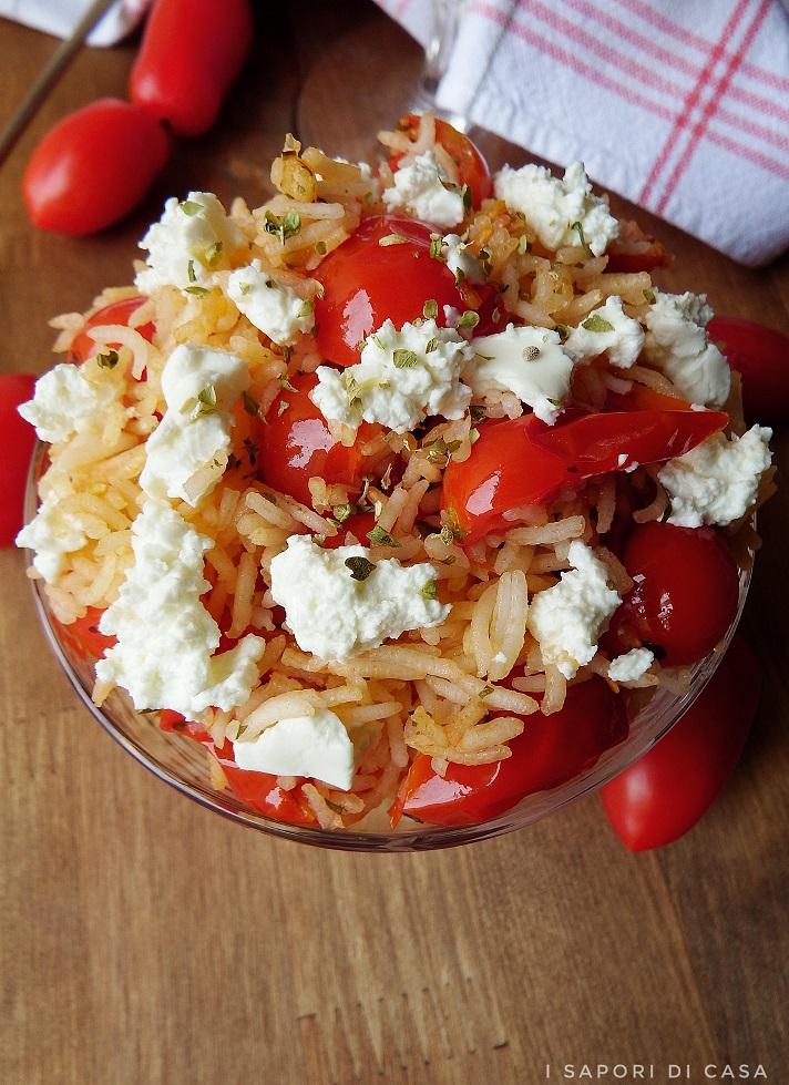 Insalata di riso basmati con pomodorini e robiola