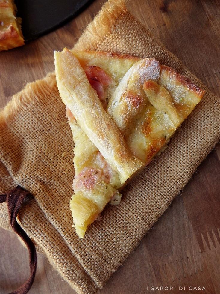 Crostata di patate con prosciutto e mozzarella