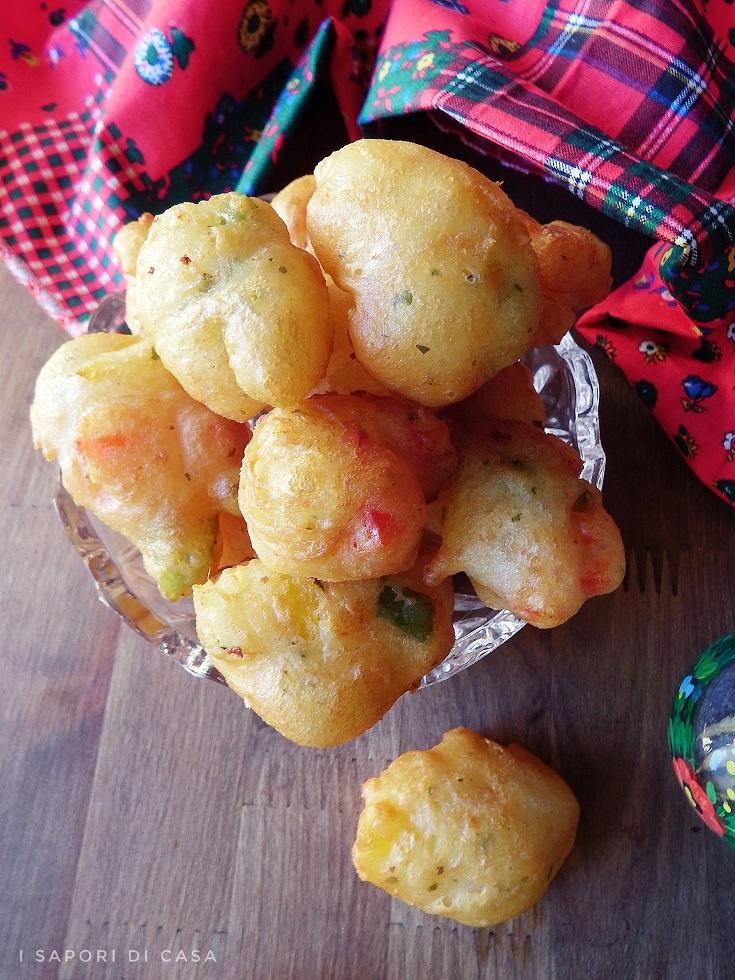 Frittelle con peperoni e ricotta
