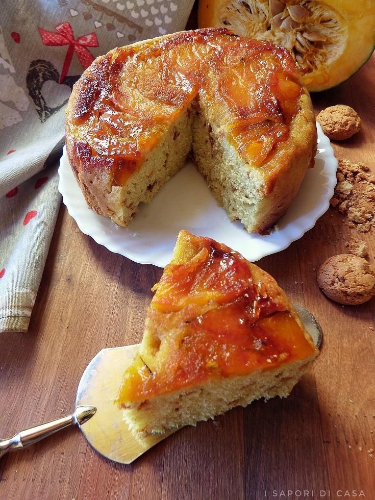 Torta rovesciata con zucca e amaretti