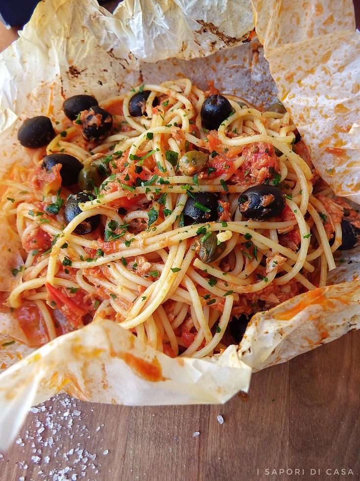 Spaghetti con Tonno al Cartoccio