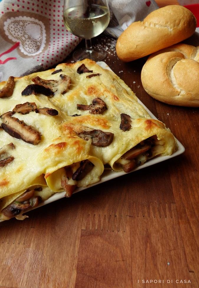 Cannelloni con funghi e taleggio
