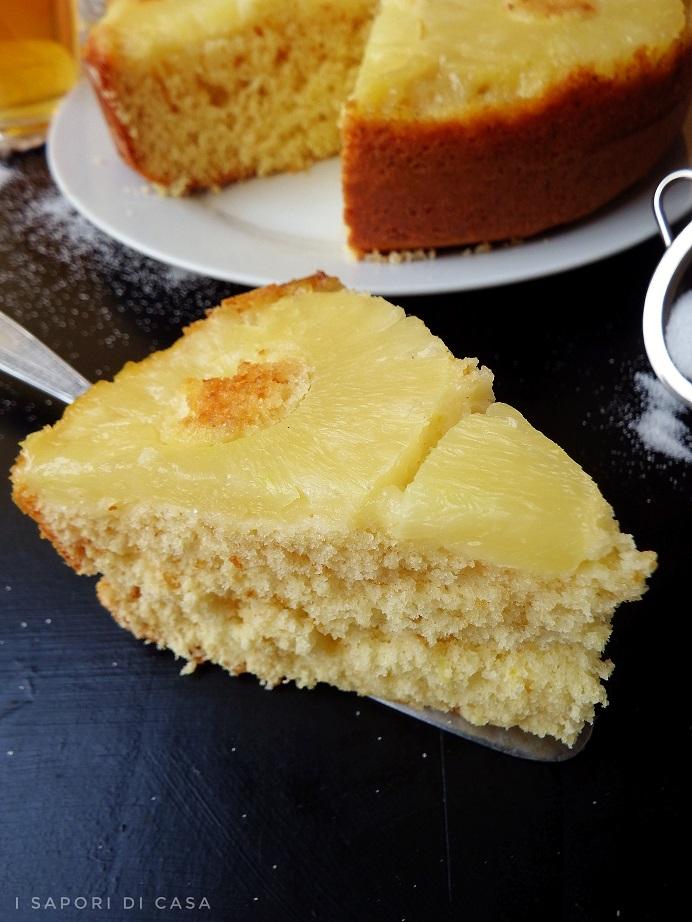 Torta con ananas e yogurt senza burro e olio