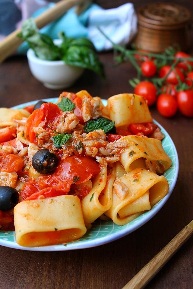 Pasta con le triglie e pomodorini