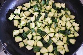 Insalata di pasta con verdure e tonno
