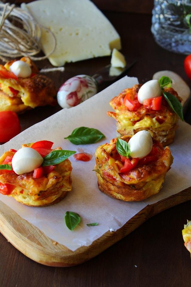 Caprese egg muffins