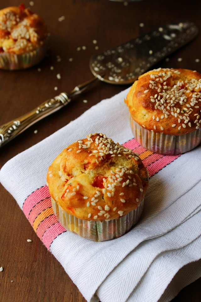 Muffin con peperoni e feta