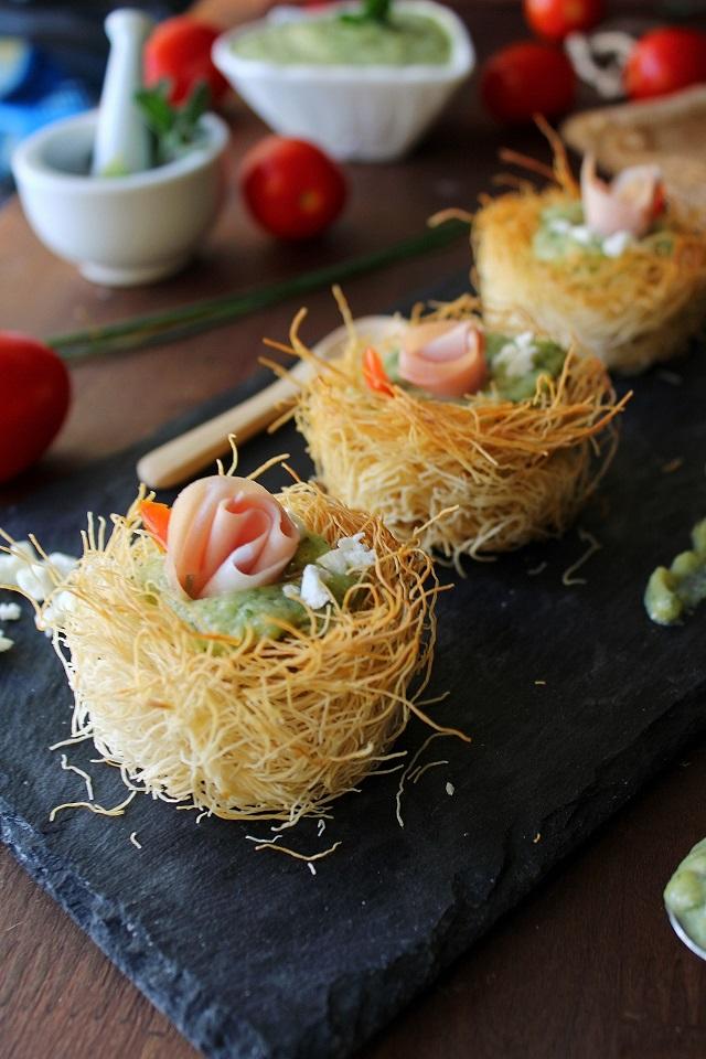 Nidi di pasta kataifi con crema di zucchine