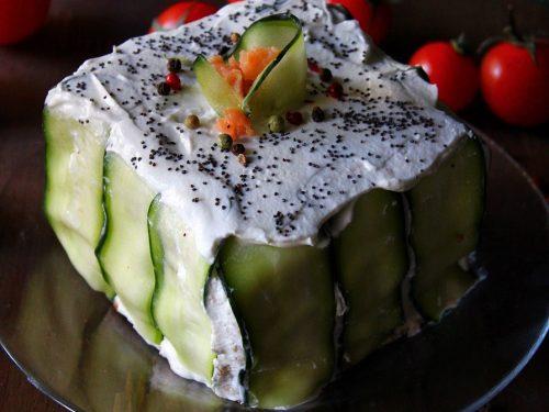 SMÖRGÅSTÅRTA – torta con pancarrè e salmone