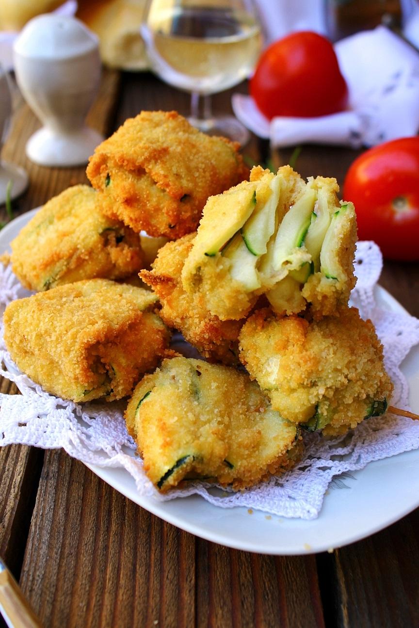 Fagottini di zucchine con prosciutto e mozzarella