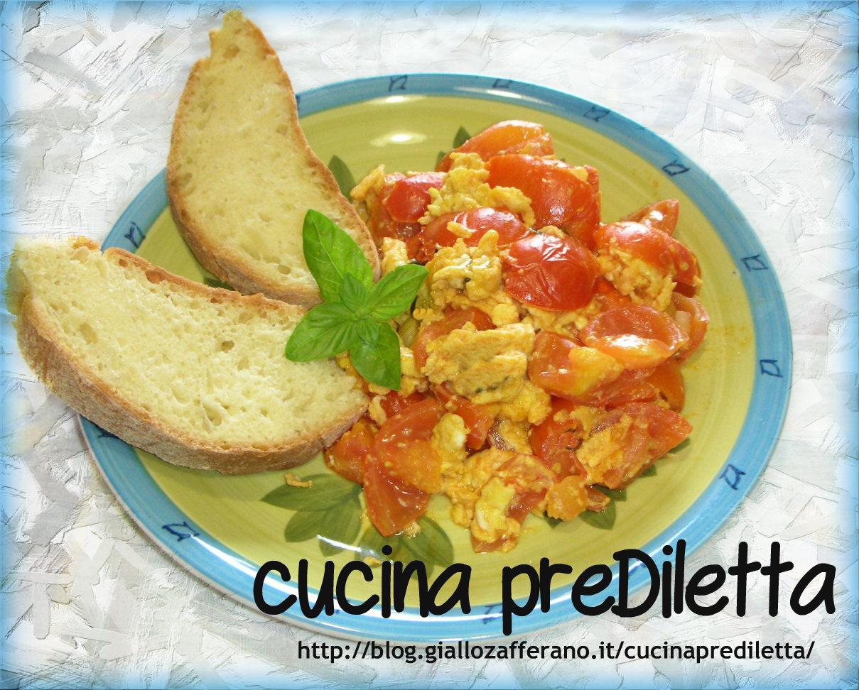Uova strapazzate al pomodoro ricetta veloce cucina for Cucinare 2 uova