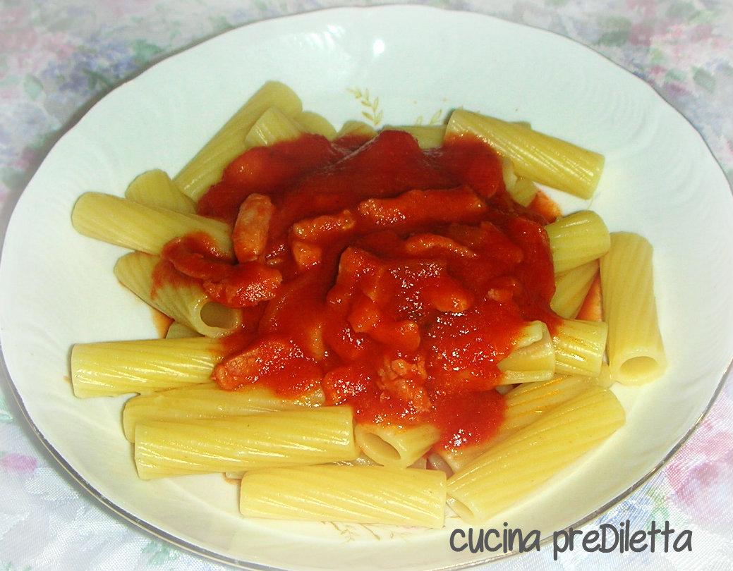 Pasta con pancetta e pomodoro ricetta primo piatto for Primo piatto veloce