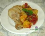 Pollo con patate e peperoni, ricetta al forno