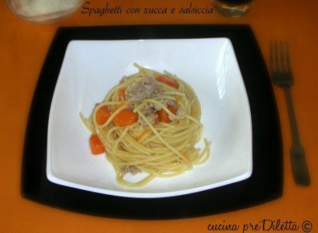 Spaghetti con zucca e salsiccia